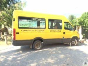 LO scuolabus messo a disposizione dal Comune di Gizzeria