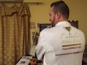 Antonio Sacco primo posto per ideazione pizza a Expo 2015 scatto 2