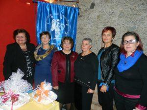 da sinistra. Giuseppina Porchia, Teresa Pullano (neo presidente), Vincenzina Nappi, Mirella Perrone Chiodo, Franca Dora Mammo, Maria Teresa Mascaro, Fidapa Soveria Mannnelli