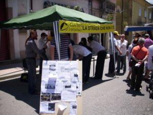 comitato strada gazebo raccolta firme