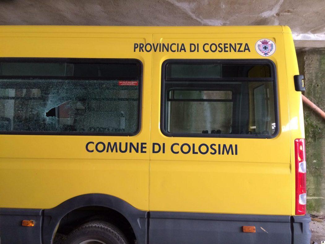 colosimi danni a scuolabus 1