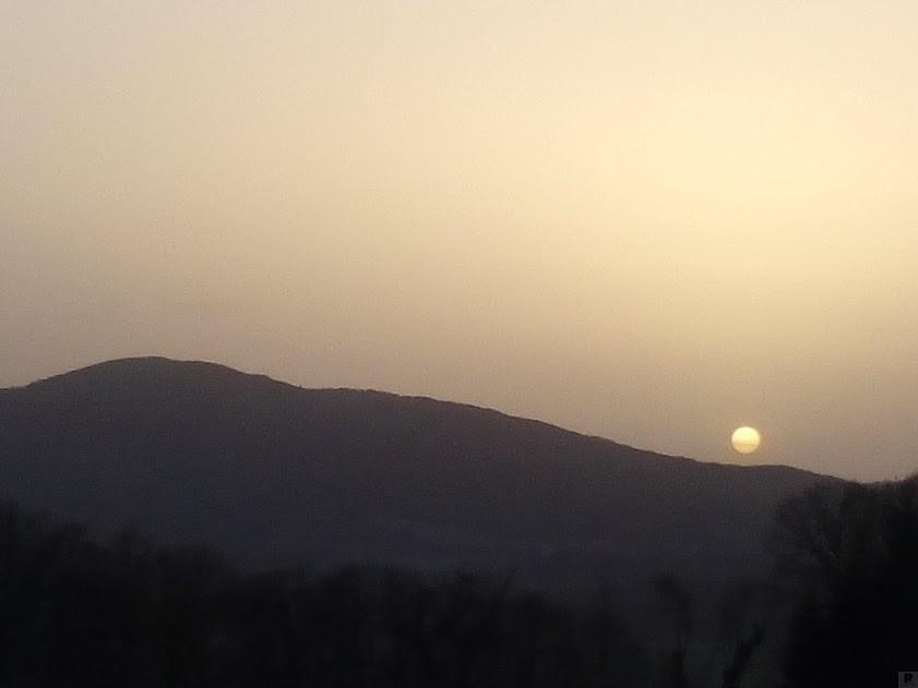 sole al tramonto sul monte Reventino