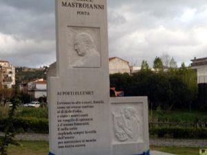 monumento-felice-mastroianni-poeta di-platania